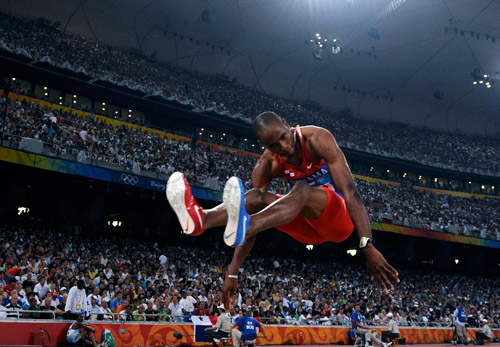 Ирвинг Солодин - чемпион мира по прыжкам в длину
