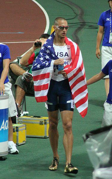 Легкоатлет, бегун на 400м, Jeremy Wariner, чемпион мира фото, олимпиада