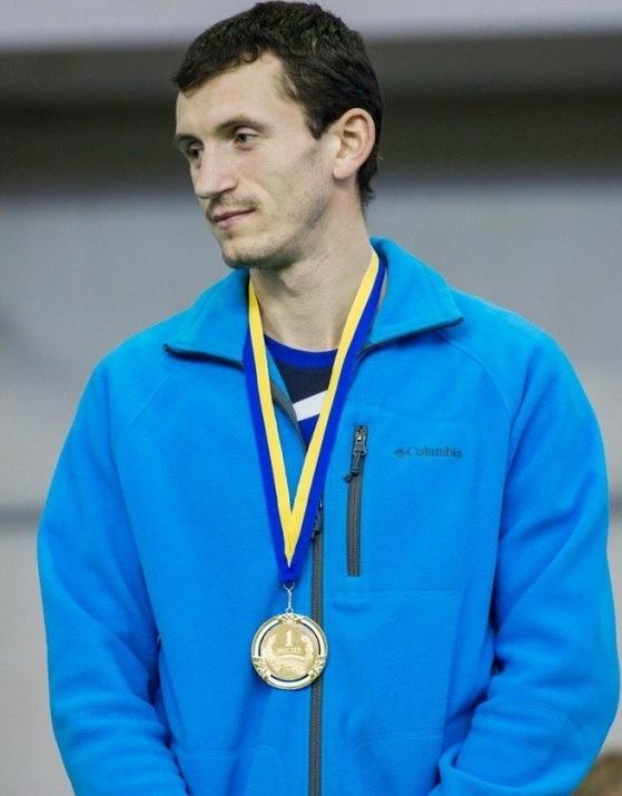 Чемпион в одном шиповке... легкая атлетика, бег с препятствиями, лучший спортсмен, мастер спорта